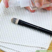 نحوه تمیز کردن برس های آرایشی با اسپری الکل